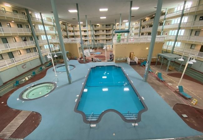 rubber-surface-indoor-pool