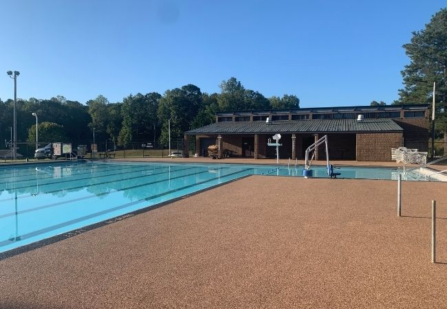 rubber-surface-outdoor-pool